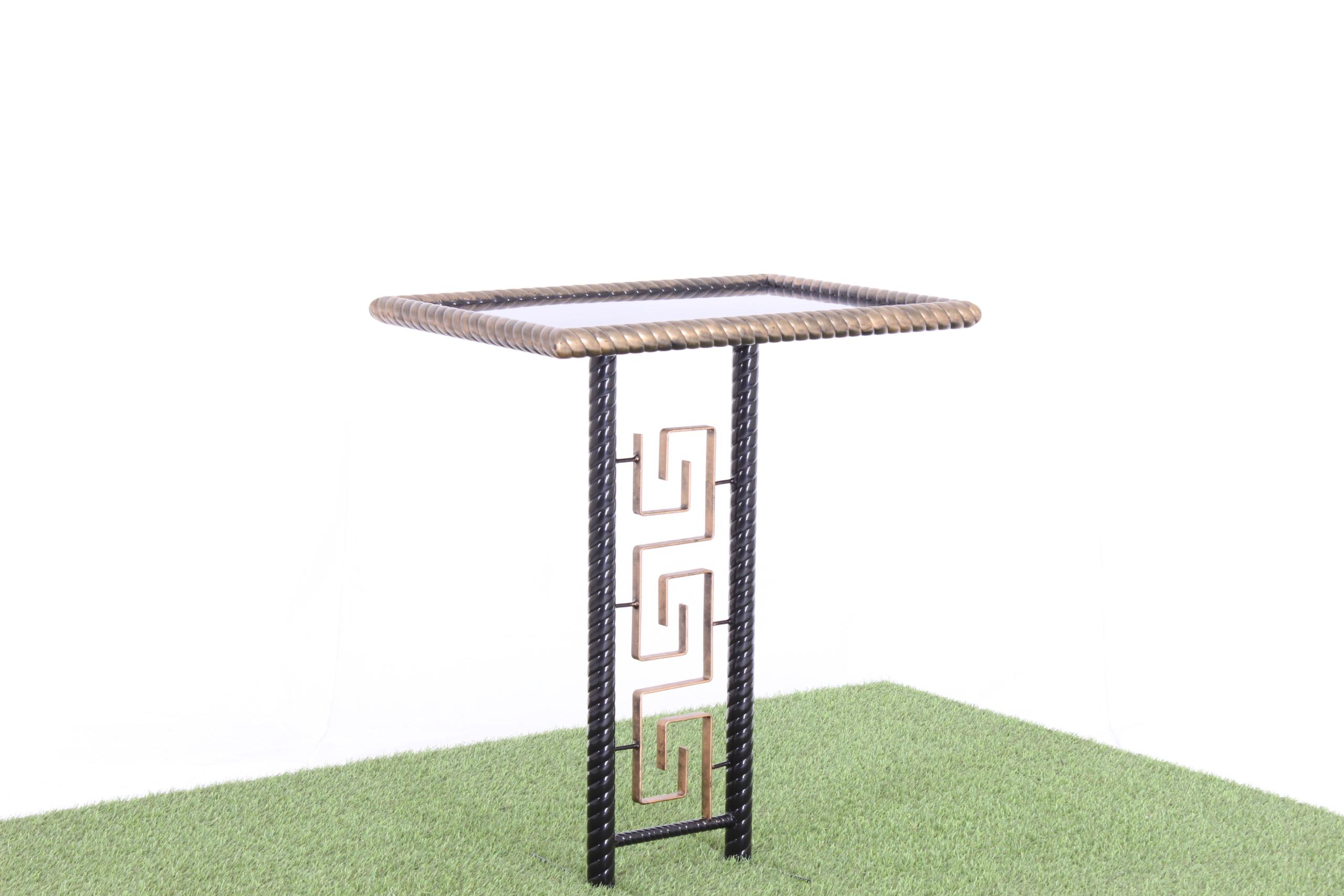 Стол ритуальный 004-28
